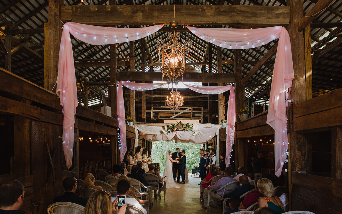 Open-Air Wedding Venue - Swann Stables